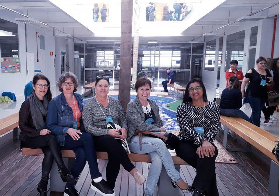 Colaboradoras do colégio participam de evento da Rede Sinodal.